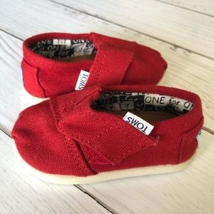 Tiny toms classic red canvas US 4